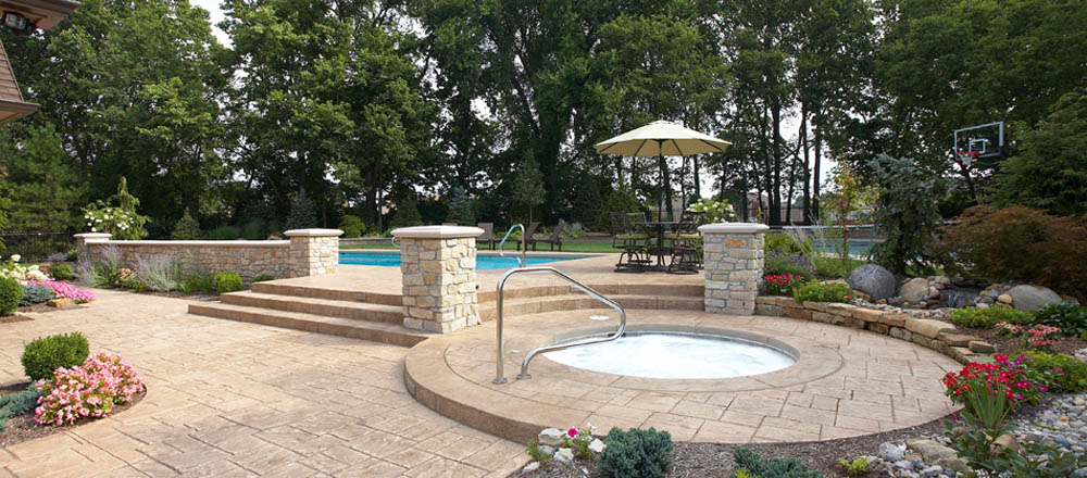Superior Patio And Seating Pool Hardscape ...