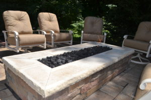 Custom outdoor fire pit using pavers